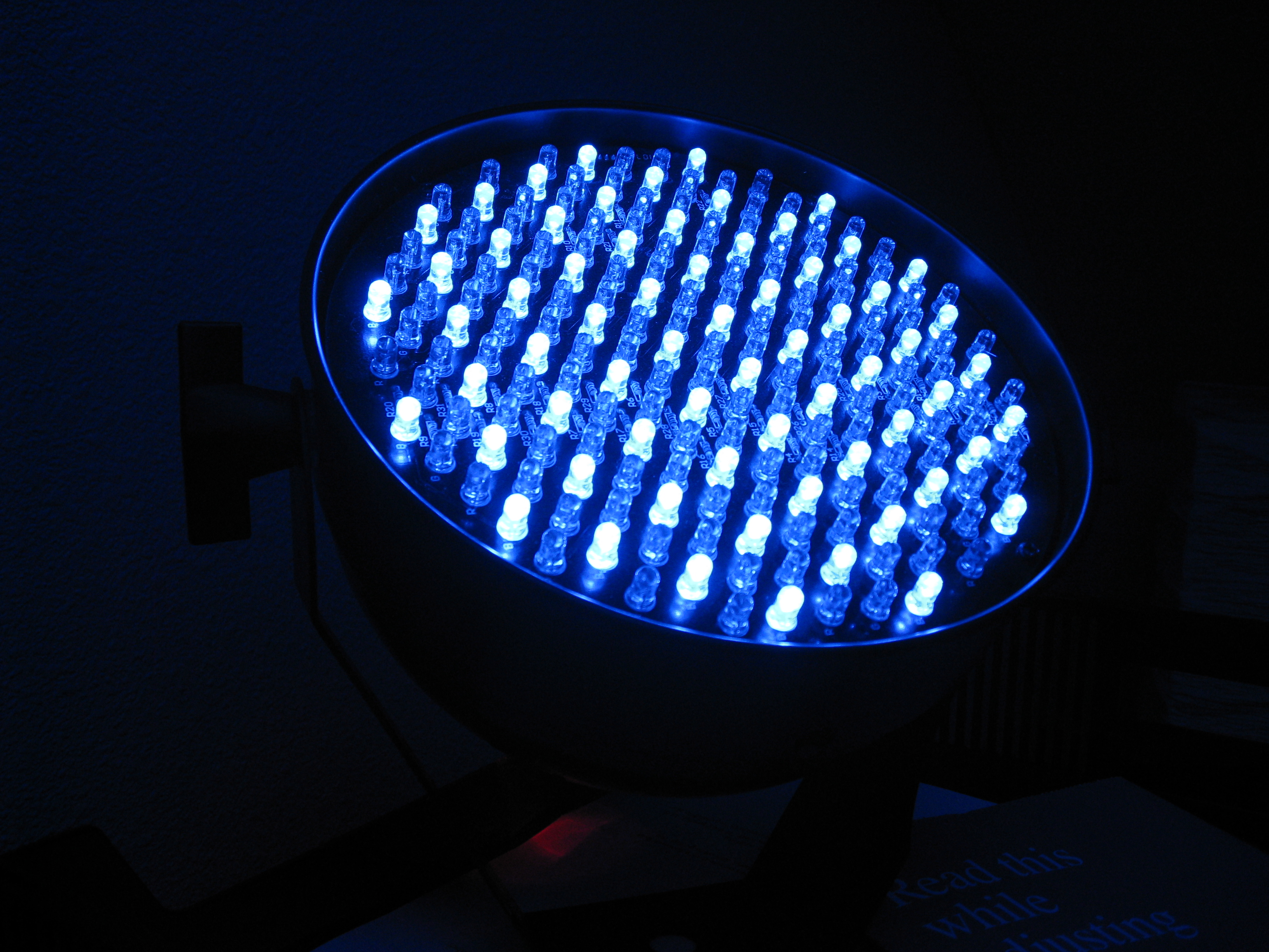 Особенности светодиодного табло и преимущества его применения