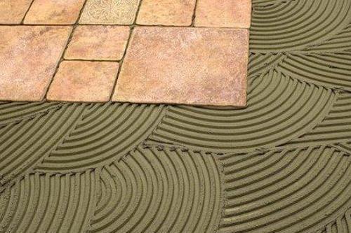 Особенности выбора клея для укладки плитки