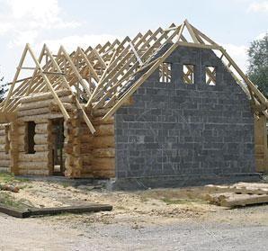 Возможность стыкования деревянных и кирпичных стен