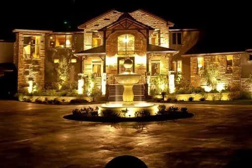 Накладное освещение фасада