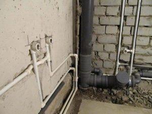 zamena staryh trub kanalizacii 1