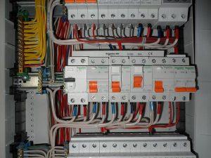 ustanovka jelektricheskogo avtomata 1